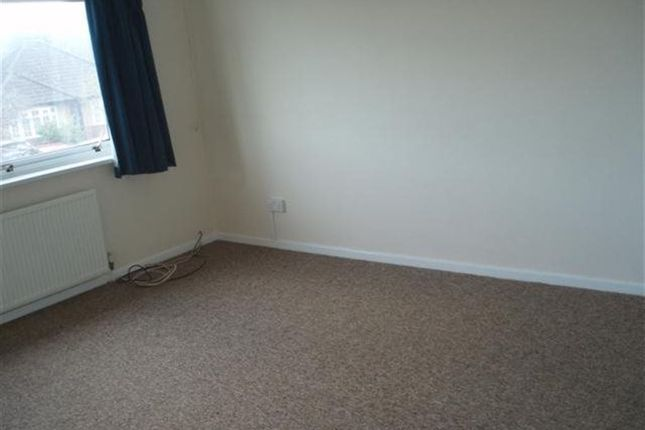 Thumbnail Flat to rent in Bishops Road, Cleeve, Bristol