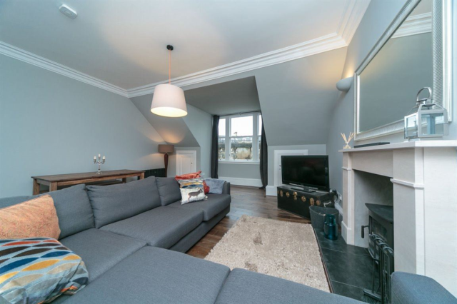 Thumbnail Flat to rent in Lansdowne Crescent, West End, 5Eh