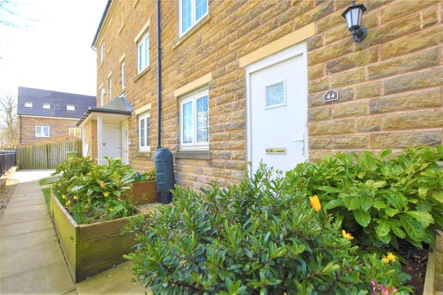Picture No. 19 of Highfield Chase, Dewsbury, West Yorkshire WF13