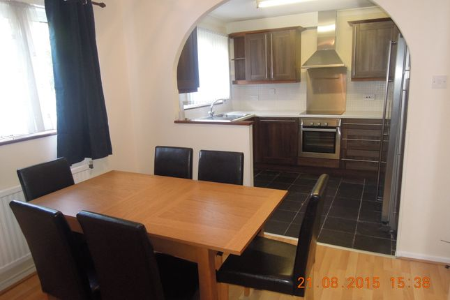 Thumbnail Terraced house to rent in Bude Crescent, Stevenage