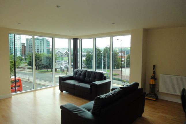 4 bed flat to rent in Ecclesall Road, Sheffield S11