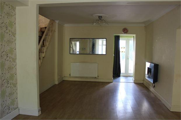 Lounge of Pleasant Terrace, Tonypandy, Tonypandy, Rct. CF40