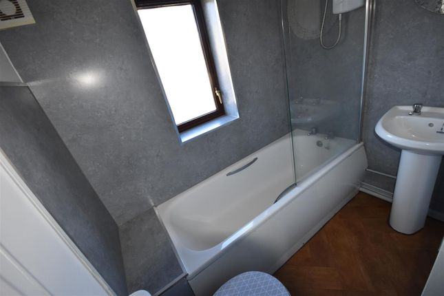 3 bed property for sale in Broncoed Park, Mold CH7