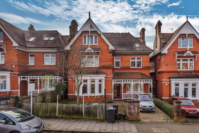 Thumbnail Flat to rent in Gleneldon Road, London