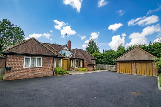 Thumbnail Detached house for sale in Woodcote, Reading