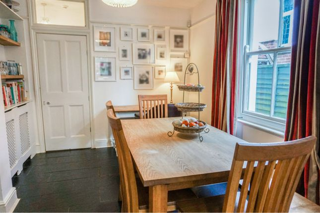 Dining Room of Portsmouth Road, Southampton SO19