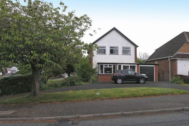 3 bed detached house for sale in Stourbridge, Pedmore, Walker Avenue