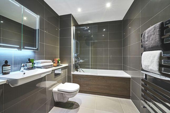 Bathroom of Southdown Road, Harpenden AL5