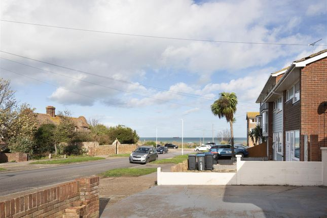 3 bed detached bungalow for sale in Botany Road, Broadstairs CT10