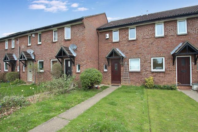 Thumbnail Terraced house for sale in Carse Close, Abingdon