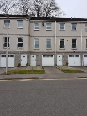 Thumbnail Terraced house to rent in South College St, South Ferryhill AB11,