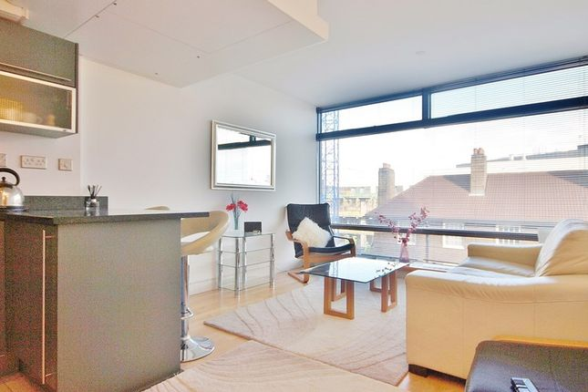 Thumbnail Property to rent in Parliament View Apartments, 1 Albert Embankment, South Bank