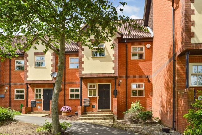 3 bed town house for sale in Levens Hall Drive, Westcroft, Milton Keynes MK4