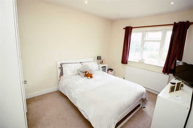 Bedroom 4 of Maxwelton Close, Millhill, London NW7