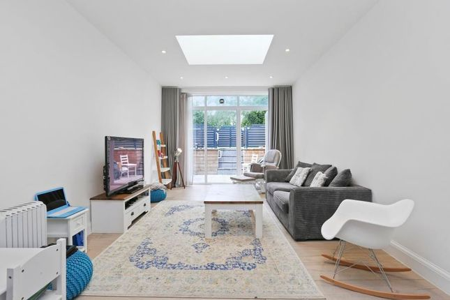 Thumbnail Flat to rent in Middleton Road, Golders Green