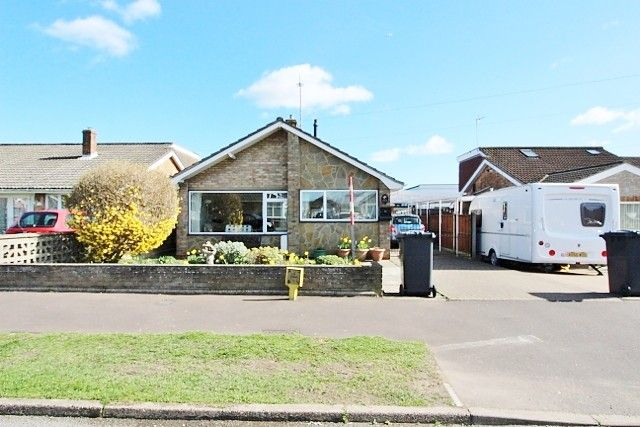 Thumbnail Detached bungalow for sale in Seafield Road North, Caister-On-Sea