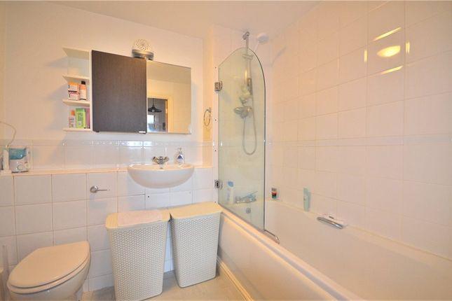Bathroom of Kelvin Gate, Bracknell, Berkshire RG12