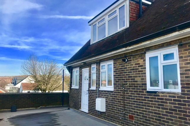 Thumbnail Duplex to rent in Birdsfoot Lane, Luton