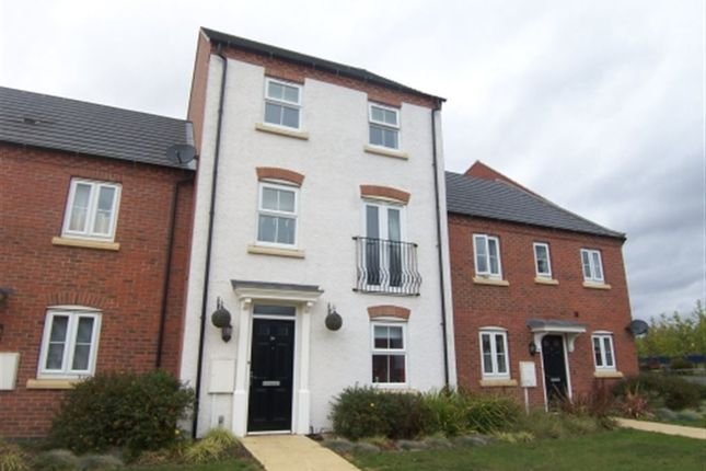 Thumbnail Property to rent in Pentland Drive, Greylees, Sleaford