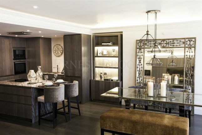 Thumbnail Flat for sale in South Audley Street, Mayfair