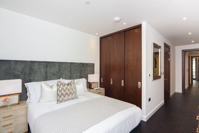 Master Bedroom of Charles Clowes Walk, London SW11
