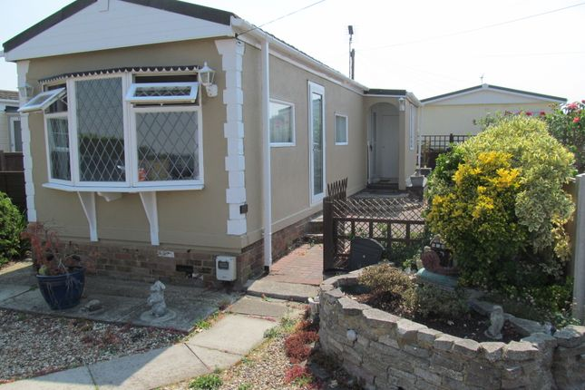Thumbnail Mobile/park home for sale in Hockley Park (Ref 5967), Lower Road, Hockley, Essex