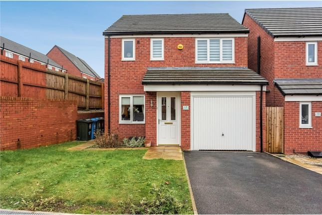 Thumbnail Detached house for sale in Kinross Avenue, Heywood
