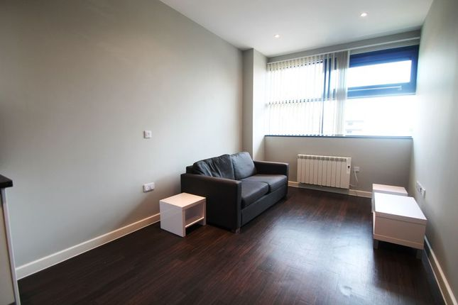 Thumbnail Property to rent in Bath Road, Harlington, Hayes