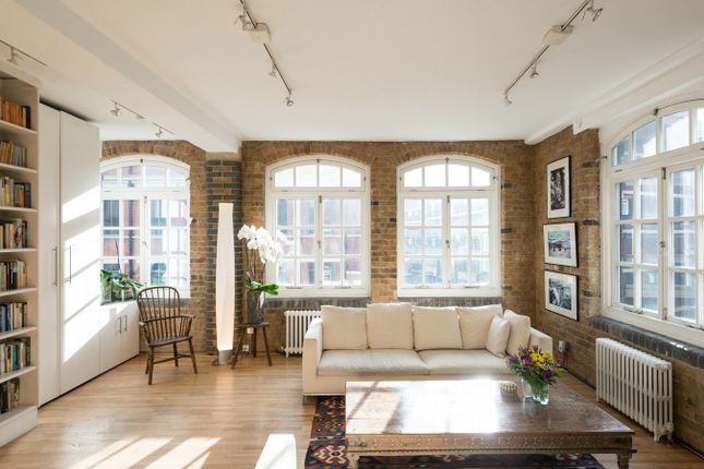Thumbnail Flat for sale in Middlesex Street, London