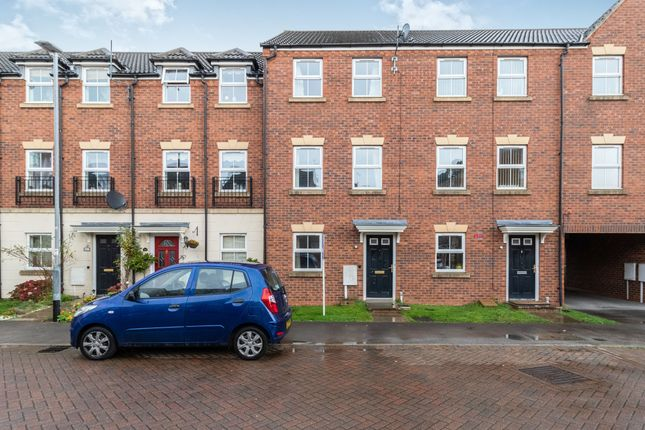 3 bed town house to rent in High Hazel Drive, Mansfield Woodhouse, Mansfield NG19