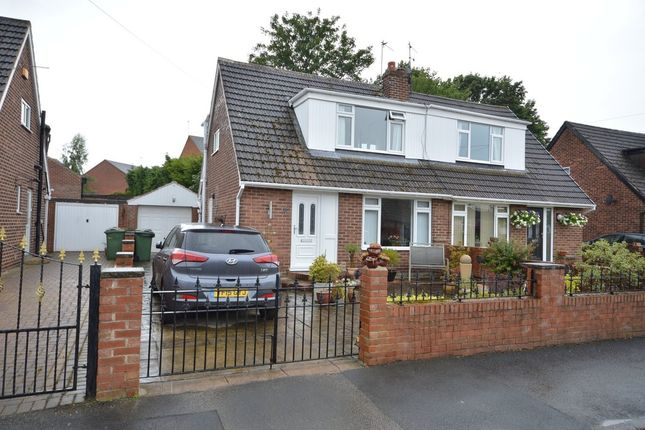 Thumbnail Bungalow for sale in Coupe Grove, Altofts, Normanton