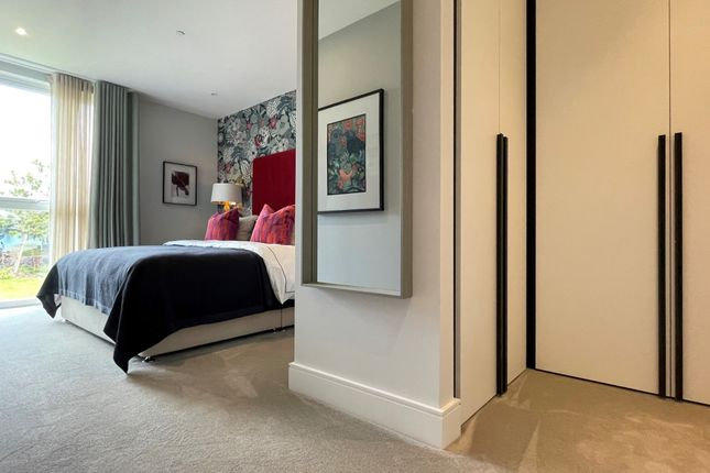 Thumbnail Flat for sale in Grand Union, Beresford Avenue, London