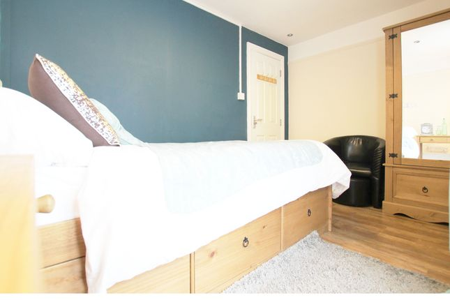 Room To Rent In Hatton Derbyshire
