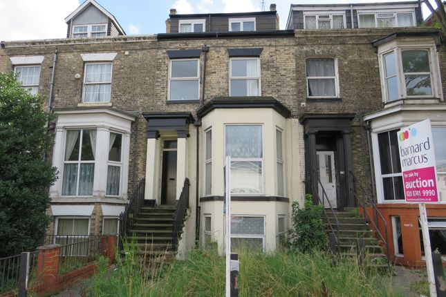2 bed flat for sale in Anlaby Road, Hull