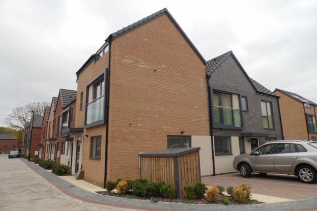 2 bed flat to rent in Doncaster, South Yorkshire DN1