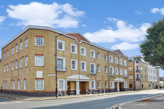 2 bed flat for sale in Brunel Road, London SE16
