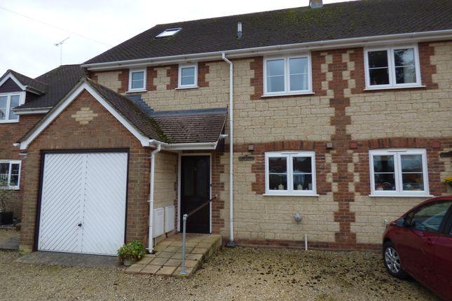 Thumbnail Town house for sale in Shaftesbury Road, Gillingham