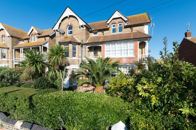 Westgate Bay Avenue, Westgate-On-Sea CT8