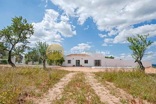 Thumbnail Farmhouse for sale in Lagoa, Lagoa, Lagoa Algarve