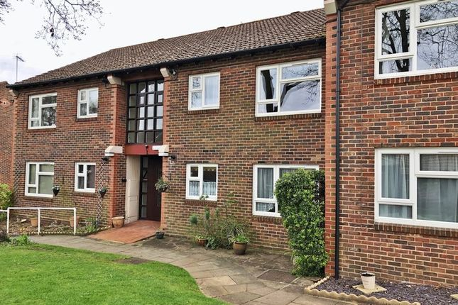 Thumbnail Flat for sale in Halleys Court, Woking