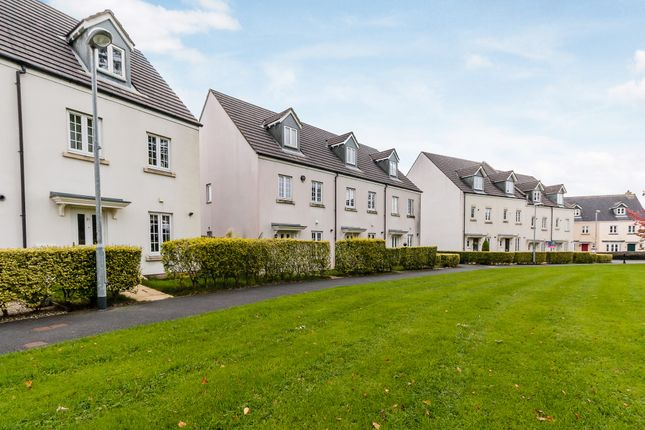 3 bed terraced house for sale in Manor Way, Tavistock