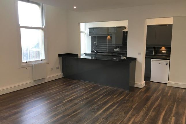 Thumbnail Flat for sale in East Parade, Leeds