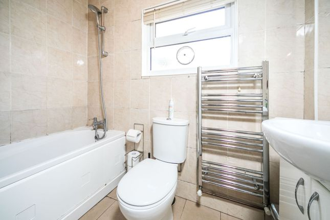 Bathroom of Elm Park Road, Reading RG30