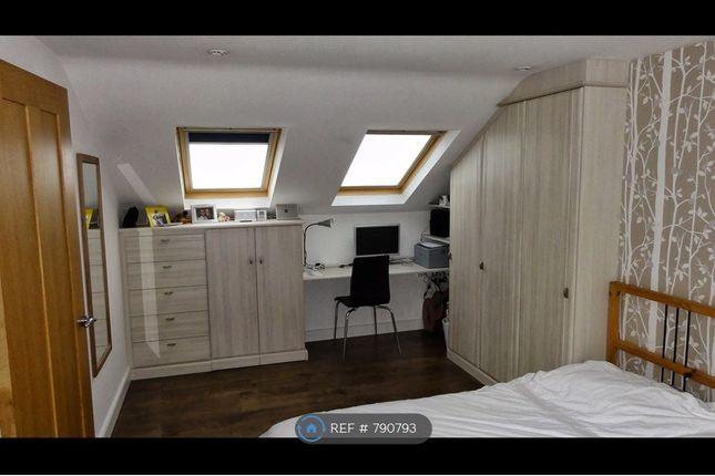 Master Bedroom - Street Side