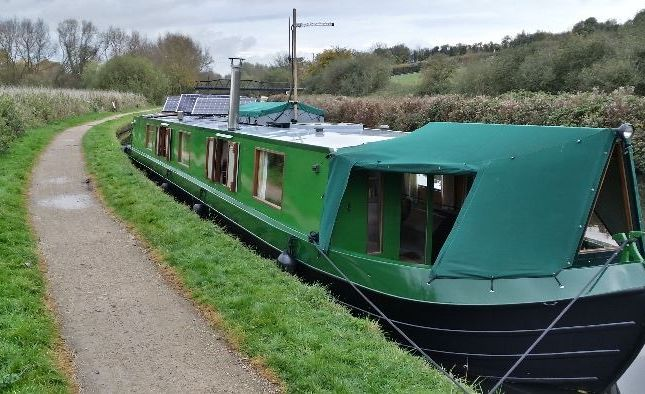 2 bed houseboat for sale in Springfield Marina, Spring Hill, London