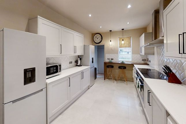 6 bed shared accommodation to rent in Rock Avenue, Gillingham ME7