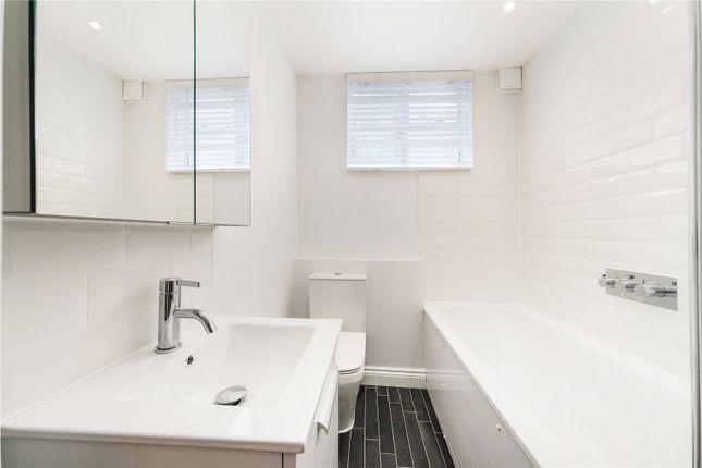 Bathroom of Gower Mews Mansions, Gower Mews, Bloomsbury, London WC1E