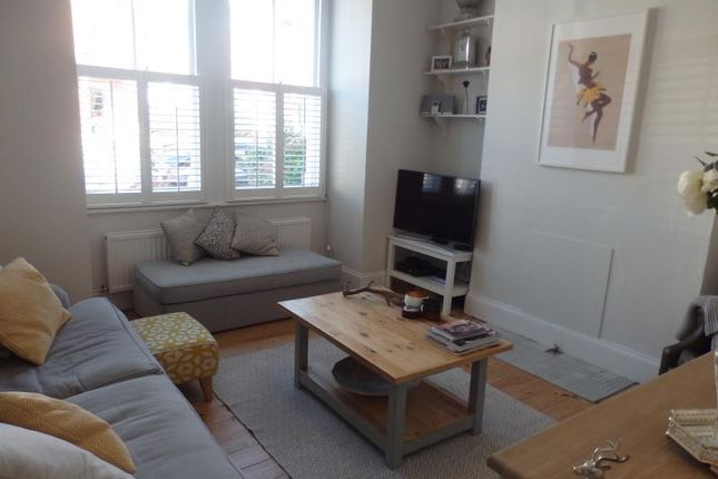 Thumbnail Flat to rent in Nightingale Lane, Crouch End