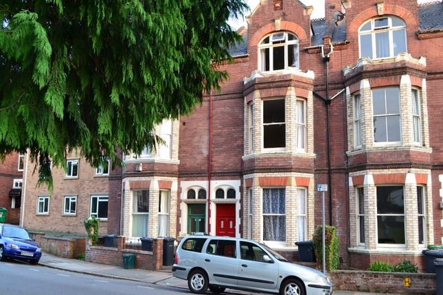 Thumbnail Town house to rent in Queens Crescent, Exeter
