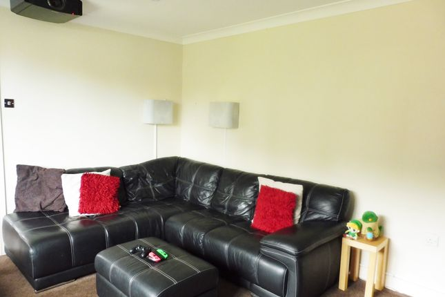 Lounge of Quern Way, Darfield S73